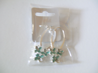 Pretty floral design earrings (Code 0239)